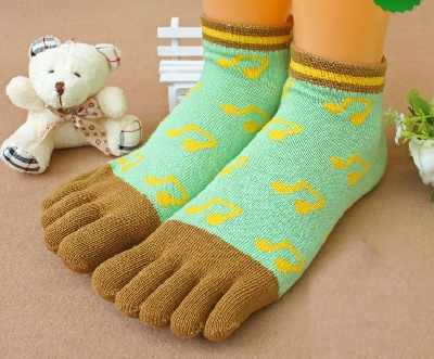 Chaussettes-Doigts Coton Croches Vert et Marron [Cotton Toe Socks With Eighth-Note Green and Brown]